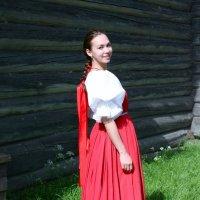 Девушка в красном сарафане :: Avada Kedavra!