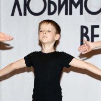 Руки... :: Олег Неугодников