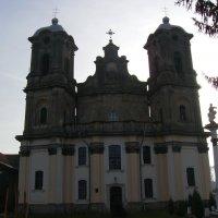 Бывший   римо - католический  храм  в  Городенке . :: Андрей  Васильевич Коляскин