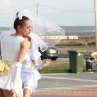 Танец невест :: Галина Моряхина