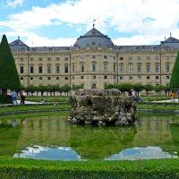 Дворцовый парк в Вюрцбурге :: Galina Dzubina