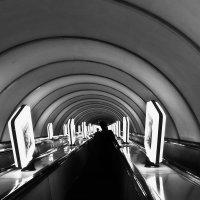 Наклонный тоннель....вечер... :: Носов Юрий