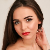 Красивая девушка :: Светлана Курцева