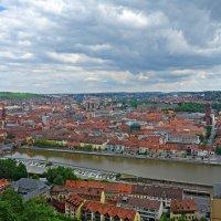 Вид города Вюрцбург со смотровой площадки Крепости Мариенберг :: Galina Dzubina