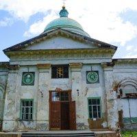 Лунник и куранты на храме Рождества Богородицы в Чёрмозе :: Валерий Симонов