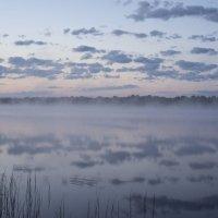Рассвет на озере :: Александр Глазков