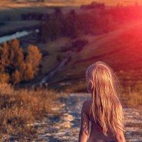 Лето, дочурка, река :: Сергей