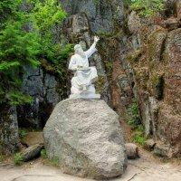 Статуя Вяйнемёйнена-героя эпоса Калевале :: Людмила Алексеева