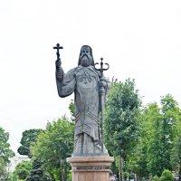 Памятник митрополиту Гакману. Чернівці :: Степан Карачко