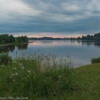 Июньское,раннее утро на Волге. :: Виктор Евстратов