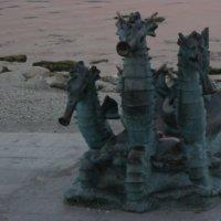 Морские коньки с жемчужной раковиной :: Svet Lana