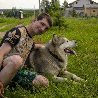 Человек с собакой :: Алексей Бродовой