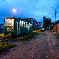 Трамвай уезжающий в даль :: Света Кондрашова