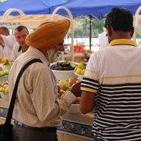 Индийский гость на Алайском базаре :: Светлана