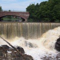 Водопад в старом городе. Хельсинки. :: Ljudmila Korotkova