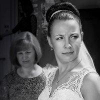 Интересно? Кто это там жениха поздравляет!? :: Юрий Трофимов