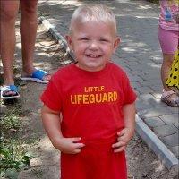 Весёлый маленький спасатель :: Нина Корешкова