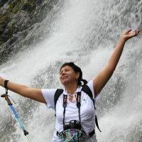 У водопада :: Светлана Попова