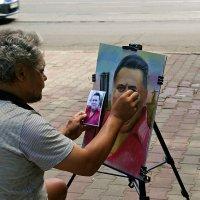 ты рисуй, рисуй меня, художник... :: Александр Корчемный