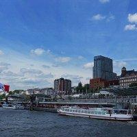 Segelschiff. Hamburg :: Nina Yudicheva