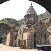 скальный храм в Гегарде. Армения :: Лидия кутузова