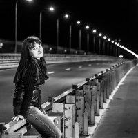 Прогулка по новому мосту :: Павел Москалёв