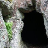 """Пещеры Sokanlinna. """"Дырка"""" в гранитной толще :: Елена Павлова (Смолова)"""