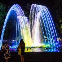 """фонтан возле кинотеатра """"Аврора"""" Краснодар :: Cain Amberskii"""