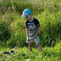 Мальчик и котёнок :: Павел Серов
