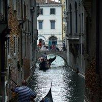 Улица в Венеции :: mihail