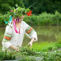 Плетение венков на праздник :: К Елена