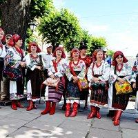 Буковинські молодички :: Степан Карачко