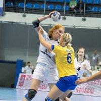 Когда в гандбол играют девушки до 20 лет... :: Светлана Яковлева