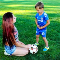 молодая мамочка с сыном:) :: Татьяна