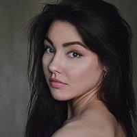 Она :: Вероника Пичугина