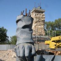 Эскиз памятника Державной  Руке? :: Алекс Аро Аро