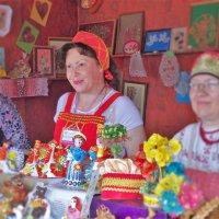 В сувенирной лавке :: Валерий Талашов