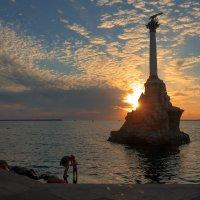 Летний вечер в Севастополе :: Виктор Мороз