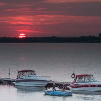Яхт-клуб на закате :: Artem Zelenyuk
