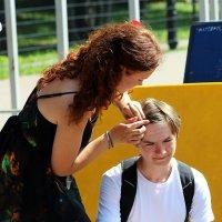 ... говорила же, пора подстригаться ... :: Дмитрий Иншин