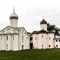 Комплекс  зданий на торговой стороне :: Алексей Корнеев