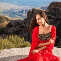 Красивая девушка с красным платьем :: Bilal Kadirov