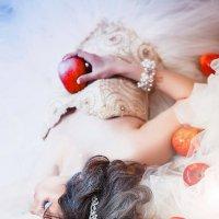 Photosession   Чуть-чуть зимней сказки и снежного холода, белоснежки бывают разные, но все одинаково :: Екатерина Бражнова