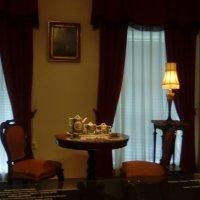 Интерьер комнаты с кофейным сервизом конца 19 века. (музей Петропавловская крепость). :: Светлана Калмыкова