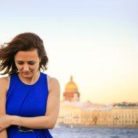 Девушка на набережной СПб :: Сергей Х