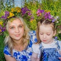 Вся прелесть луговых цветов.  Юлия и Валерия. :: Ирина Кузина