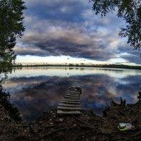 Вечернее озеро :: Роман Шершнев