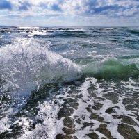 Море играет и штормит :: Swetlana V