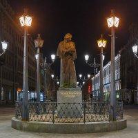 Памятник Н.В. Гоголю, М. Конюшенная, СПб :: Александр Кислицын