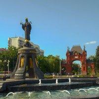 Памятник Св. Екатерине и Александровская триумфальная арка (Царские ворота). :: Игорь Хижняк